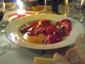 Gegrillte Paprika mit viel Knoblauch - nicht nur ein Genuss für Vegetarier!